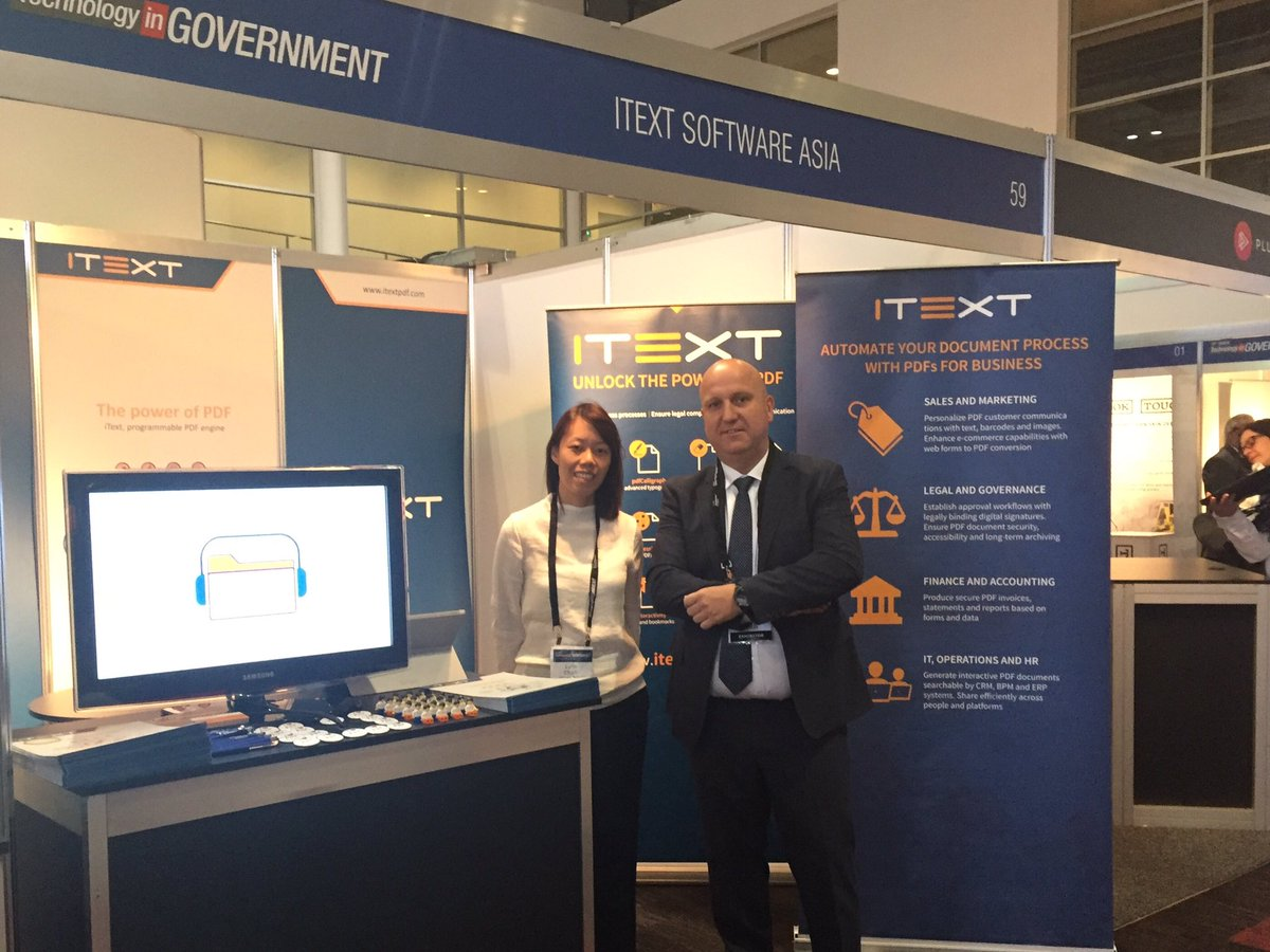 Tony and Lynn at the iText booth